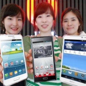 Post thumbnail of サムスン、LTE 通信対応ハイスペックスマートフォン「Galaxy R Style」を韓国通信キャリア3社にて2012年5月下旬発売
