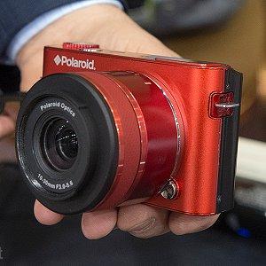 Post thumbnail of ニコン、米ポラロイド社 Android カメラ「iM1836」を「Nikon 1」の模倣品としてデザイン特許権等侵害訴訟を提起、仮差止命令決定