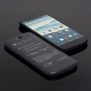 Post thumbnail of EXPANSYS Japan、正規販売店として E-Ink ディスプレイ搭載の2画面スマートフォン「YotaPhone 2」取扱開始、価格80,900円
