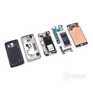 Post thumbnail of サムスン、2014年フラグシップモデルスマートフォン「Galaxy S5」分解レポート、防水対応により修理難易度がアップ