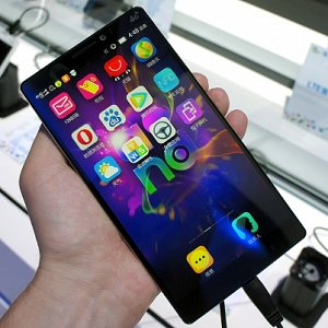 Post Thumbnail of レノボ、フラグシップモデルスマートフォン「VIBE Z2 Pro」発表、大型ファブレットサイズ6インチ 2K 解像度 Snapdragon 801 搭載