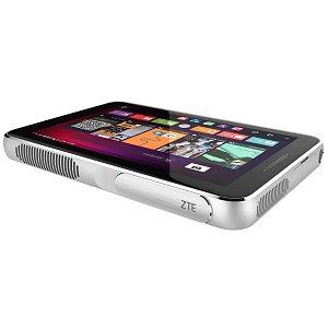 Post thumbnail of ZTE、最大80インチまで投映可能 LTE 通信対応 2K 解像度の8.4インチディスプレイ搭載スマートプロジェクタ「Spro Plus」発表