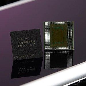 Post Thumbnail of 韓国 SK Hynix、スマートフォンなどのモバイル端末向け DRAM としては世界初となる 8GB メモリー「8GB LPDDR4X」開発
