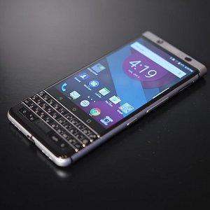 Post thumbnail of BlackBerry、Android 7.1 物理キーボード搭載 4.5インチスマートフォン「KEYone」発表、549ドル(約62,000円)で4月発売