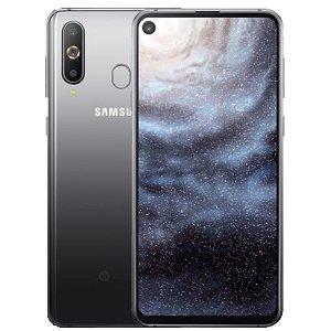 Post thumbnail of サムスン、トリプルカメラ搭載でフロントカメラ用にディスプレイに穴を開けた6.4インチスマートフォン「Galaxy A8s」発表