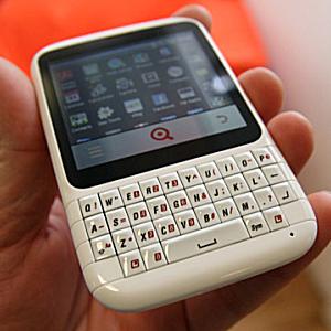 Post Thumbnail of 英 INQ の Facebook に特化した Qwerty キーボード搭載 Android スマートフォン 「Cloud Q」は開発と販売の中止決定